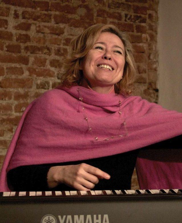 ELF Teatro Scuola - Carola Caruso - insegnante Canto e Voce